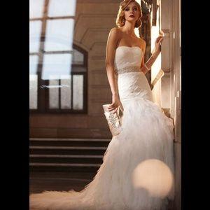 Gorgeous Strapless Bridal Gown Wedding Dress Train